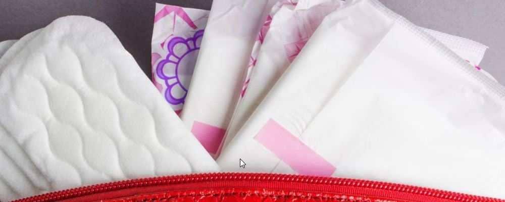 可以使用带有香味的卫生巾吗 使用卫生巾需要注意什么 卫生巾可以放在卫生间吗